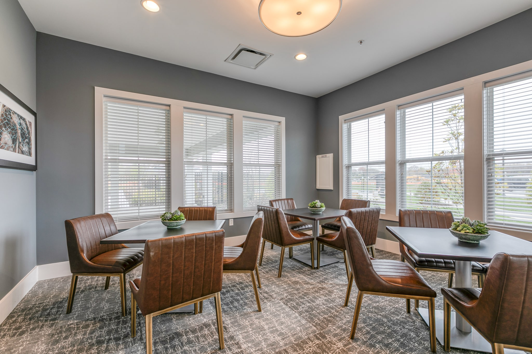 Image of a casual dining area inside the Bay Bride Cove Community Clubhouse