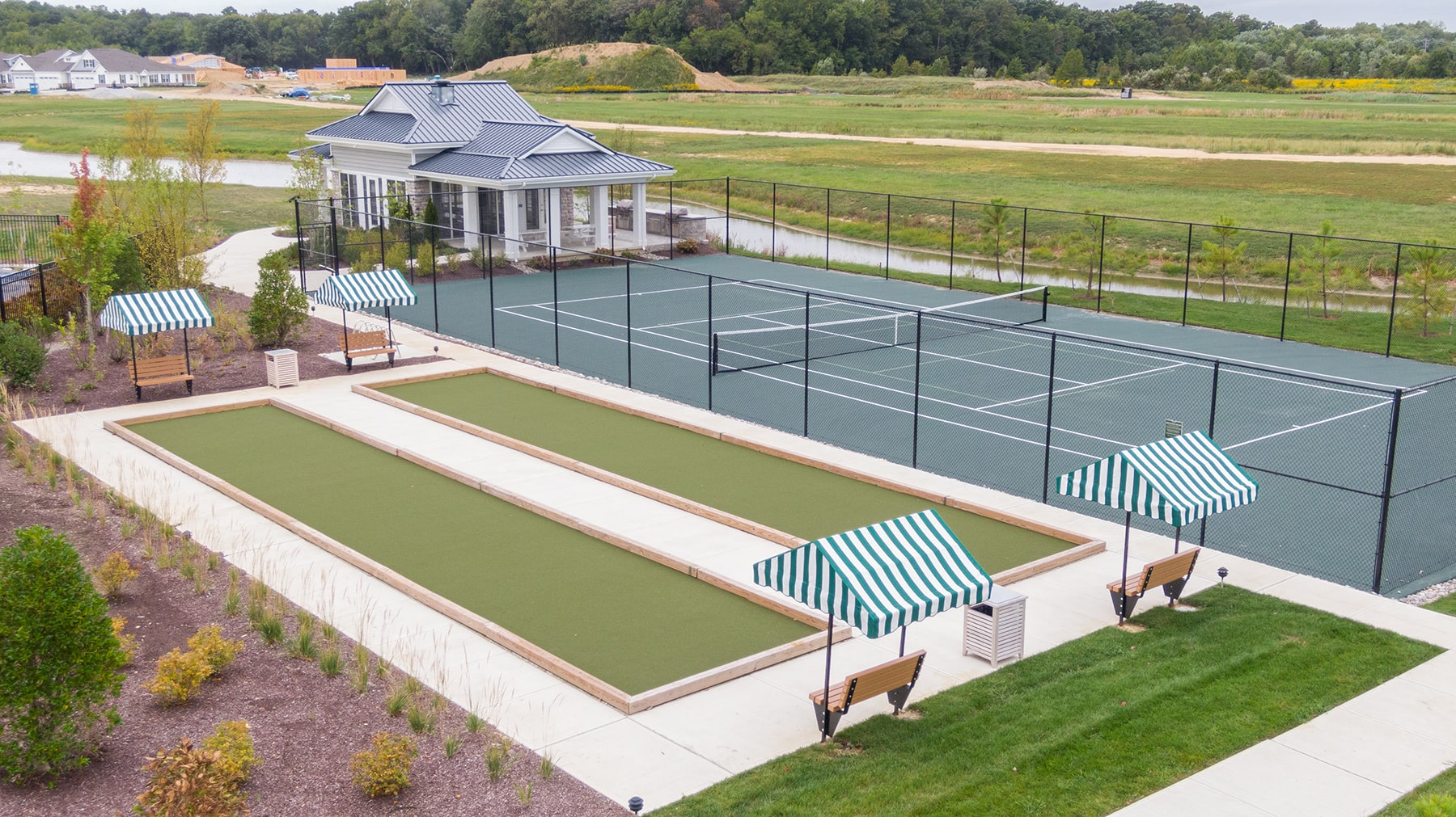 Image of the tennis courts outside the Bay Bride Cove Community Clubhouse